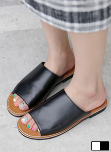 66GIRLSWide Band Slider Sandals