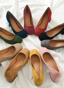 66GIRLSSolid Tone Mid Heeled Pumps